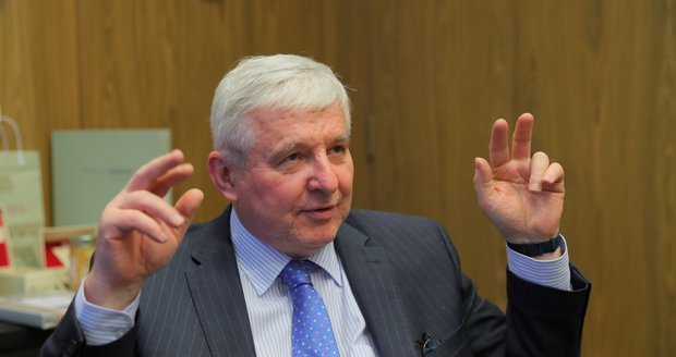Guvernér ČNB Rusnok: Nezískat hypotéku je normální. A kdy doženeme Německo?