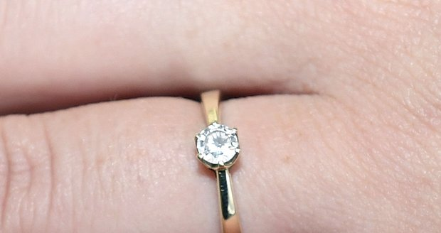 Zásnubní prsten Veroniky Kašákové