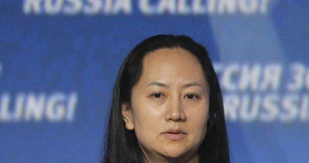Zadrženou šéfku Huawei propustili na kauci 170 milionů. Čína se ale mstí