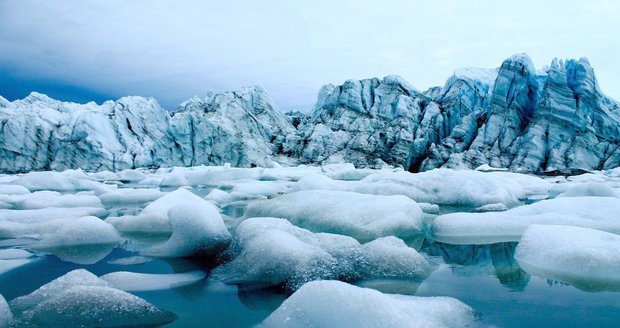 V Grónsku rychle taje led, moře může stoupnout o sedm metrů. Kdo je v ohrožení?