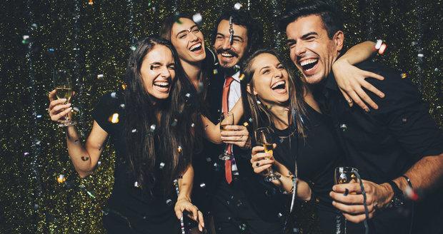 Kouření není jen problém zdravotní, ale i společenský: Jak se neztrapnit na večírku?