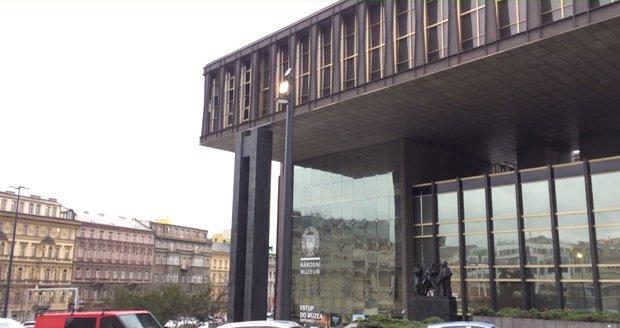 Sloupy v kulturním distriktu u Národního muzea sjednocují víc prvků dohromady.