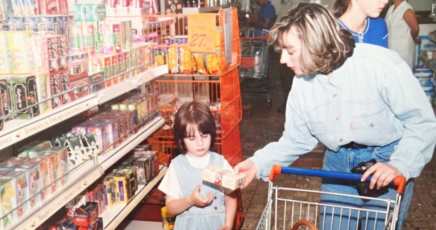 Ivana Zemanová na předvánočním nákupu s dcerou Kateřinou