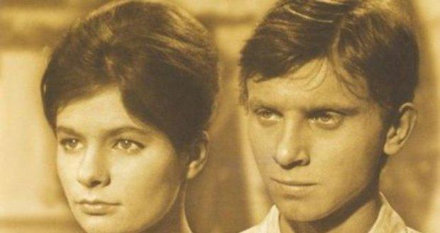 1964 - S Vladimírem Pucholtem ve filmu Starci na chmelu.