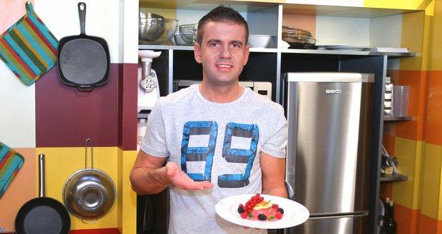 2014 - Když vařil na televizi Barrandov, měl sportovní postavu.