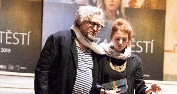Premiéra filmu Cena za štěstí: Jan Hřebejk s mladou herečkou