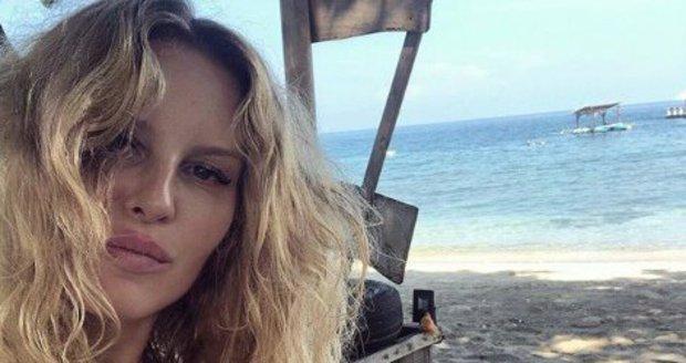 Simona Krainová na dovolené na Bali.
