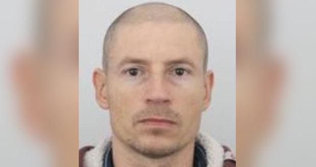 Jaroslav (45) záhadně zmizel cestou do práce: Táta našel jen jeho auto