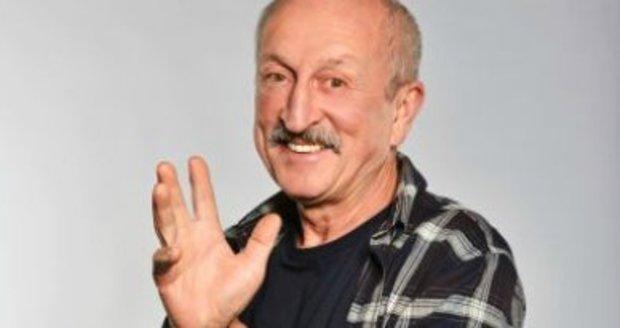 Oldřich Navrátil nahradil v seriálu Krejzovi nemocného Postráneckého.