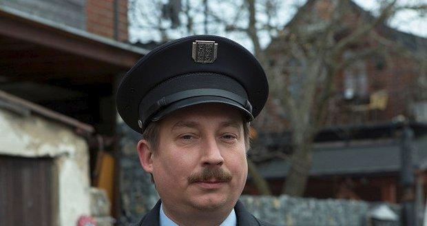 Seriál Strážmistr Topinka s Robertem Miklušem v hlavní roli.