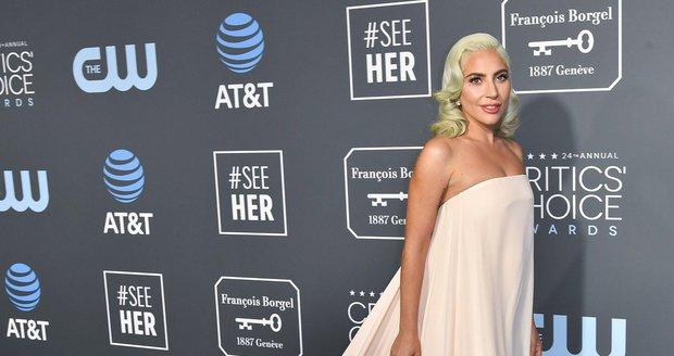 Lady Gaga na předávání cen Critic's Choice Awards