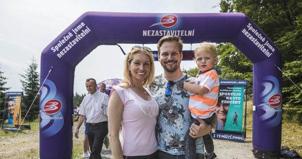 Martin Chodúr s přítelkyní Ivonou a synem Martinem