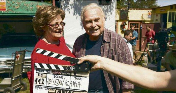 2007 - Symbolická poslední klapka seriálu Místo v životě, kde si Luděk Munzar zahrál s manželkou Janou Hlaváčovou.