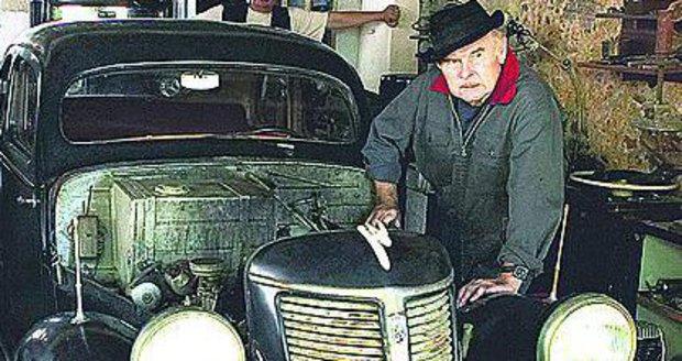 Auta byla jeho celoživotní vášeň.