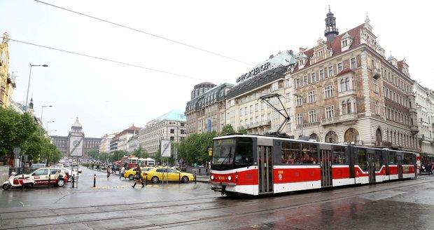 Na současnou trať přes Václavské náměstí by se měla napojit nová linka od budovy Národního muzea.