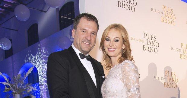 Podnikatel a exmanžel Gábiny Partyšové Daniel Farnbauer se svojí bývalou ženou, ke které se vrátil a nyní je těhotná.