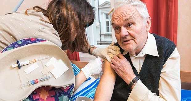Nemocných chřipkou v Praze ubývá. Plošná epidemie skončila, nemocnice ruší zákazy návštěv
