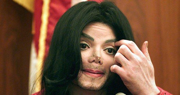 Kontroverzní projekt Leaving Neverland vykreslil krále popu jako pedofila.