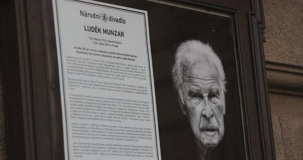 Pohřeb Luďka Munzara v Národním divadle
