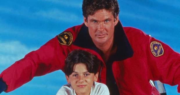 Jeremy Jackson, David Hasselhoff jako Hobie a Mitch Buchannonovi (táta a syn)