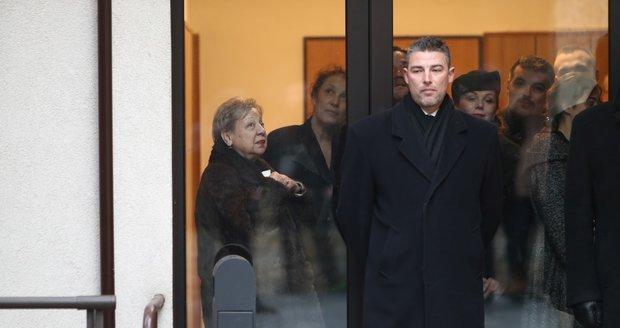 Pohřeb Luďka Munzara: Ochranka