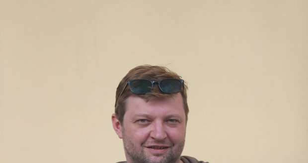Herec Michal Isteník.