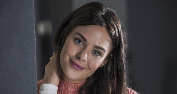 Herečka Dominika Býmová