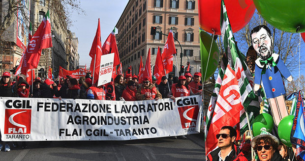 Desetitisíce lidí protestují v Římě proti vládě. Žluté vesty chtějí rovnou z EU