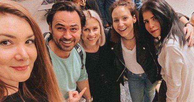 Mariana se na letišti v Bangkoku potkala s Veronikou a Biserem Arichtevem.