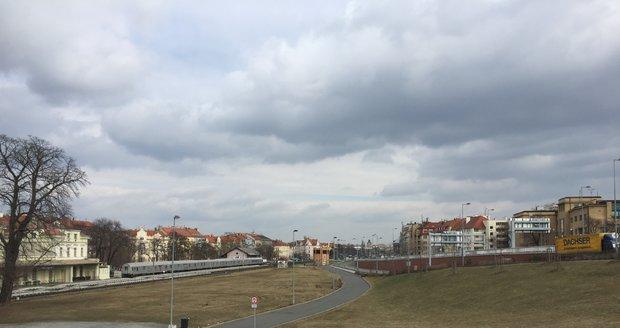 O pozemky kolem nádraží v Dejvicích je enormní zájem. Do deseti let by tu mohly být Národní galerie, kanceláře nebo byty.