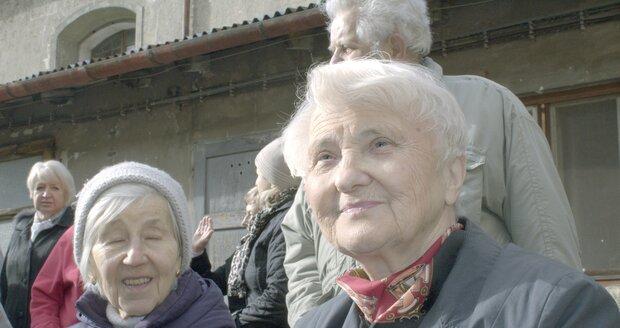 """""""Moje maminka byla vzácná osoba, velmi statečná žena,"""" říká Zdena Mašínová mladší."""