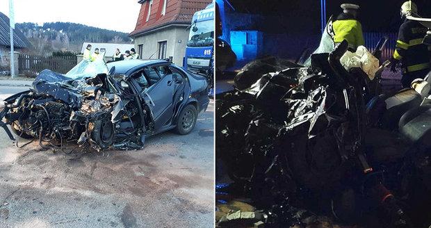 Dívka (†22) na Chrudimsku vjela pod náklaďák: V půl čtvrté ráno, vyprošťování bylo marné