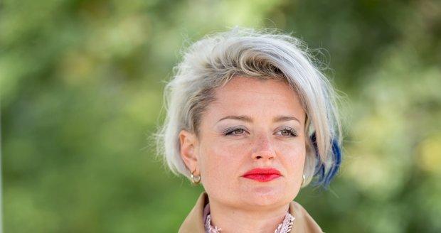 Erika Stárková jako Dáša v seriálu Most!