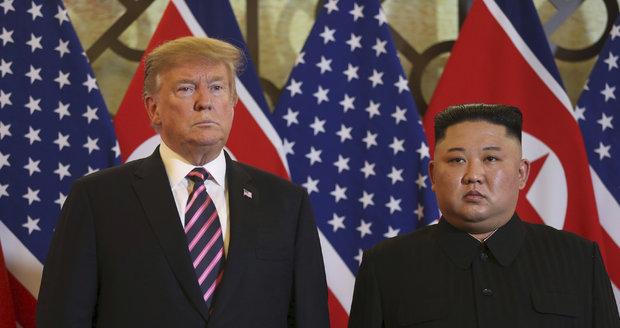 """""""Skvělá chemie"""" mezi Kimem a Trumpem není vše. KLDR hrozí koncem vyjednávání s USA"""