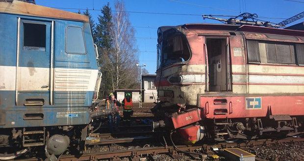 V Havlíčkově Brodě se srazil vlak s lokomotivou! Projela na červenou