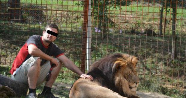 Kamarád Michala rozsápaného lvem: Ubožáci ho uštvali! Chtěl vzít lvy do Afriky