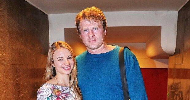 Petr Batěk a jeho mladá přítelkyně Marcela