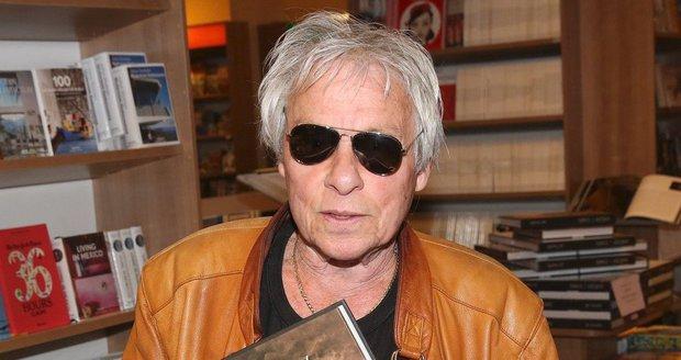 Jan Saudek se svou knihou Hvězdy