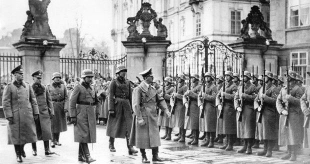 """Před 80 lety si Hitler """"vzal"""" Pražský hrad: Vůdce řval, Göring hrozil a Hácha se hroutil"""
