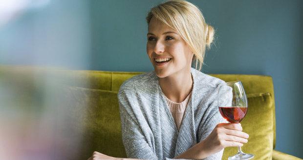 Můžete pít alkohol, a zároveň přitom hubnout? Tohle říkají dietologové
