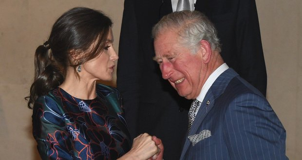 Princ Charles laškoval s královnou Letizií.