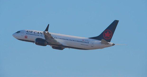 Jako přes kopírák: Oba zřícené Boeingy 737 MAX poslal k zemi stabilizační systém