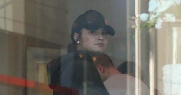 Demi se zakulacuje stále víc a víc...