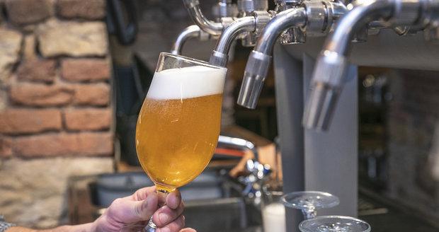Do Břevnovského kláštera míří piva z dvaceti malých pivovarů z celé republiky.