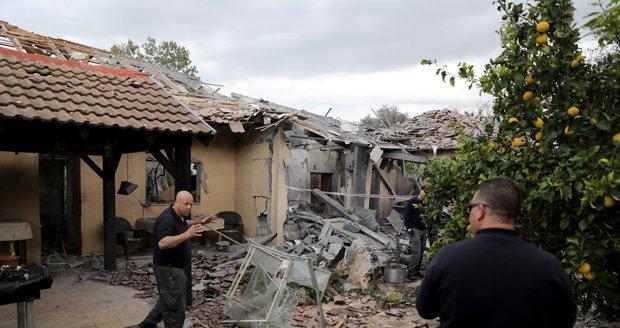 """Izrael začal ostřelovat """"teroristické cíle Hamásu"""". Po raketách z Pásma Gazy"""