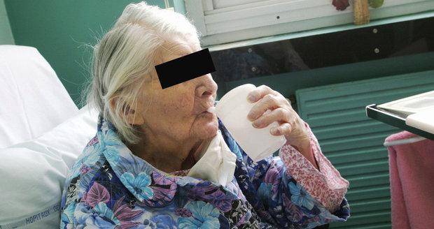 Božena (†95) zemřela v domově důchodců: Na sanitku čekala 2,5 hodiny!