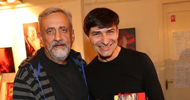 S tekutým dárkem přišel Richard Tesařík (73).