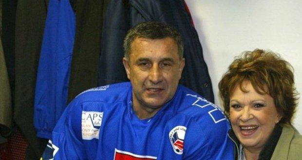 Bohdalová s trojnásobným vítězem Stanley Cupu Jaroslavem Pouzarem