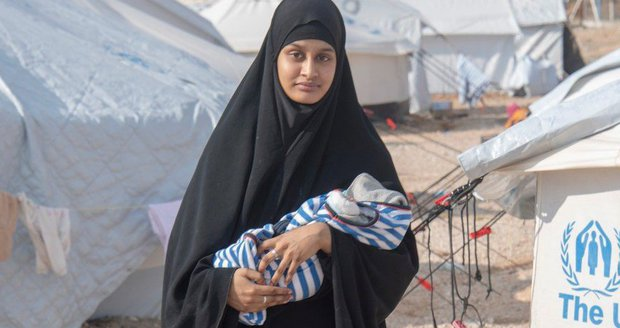 Šila sebevražedné vesty útočníkům, prasklo na nevěstu ISIS. Teď chce zpátky do Británie