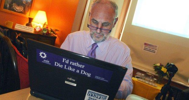 """""""Doktor smrt"""" promluvil pro Blesk: O první eutanazii pacienta i sebevražedné rakvi"""